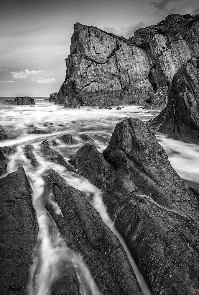 Secluded rocky cove on the North Devon coast. Winter (January) 2019. - 799-3767