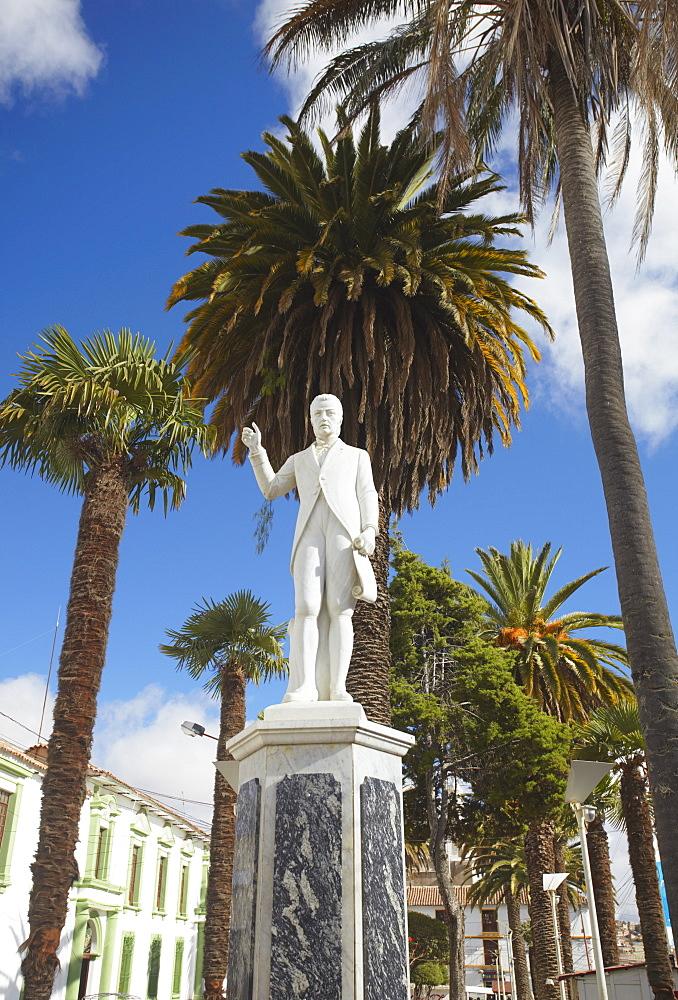 Statue in plaza, Sucre, UNESCO World Heritage Site, Bolivia, South America