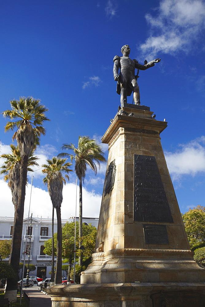 Monument in Plaza 25 de Mayo, Sucre, UNESCO World Heritage Site, Bolivia, South America