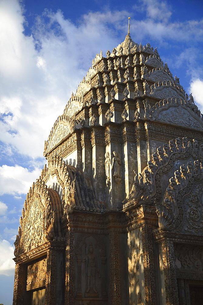 Stupa at Wat Han Chey, Kampong Cham, Cambodia, Indochina, Southeast Asia, Asia