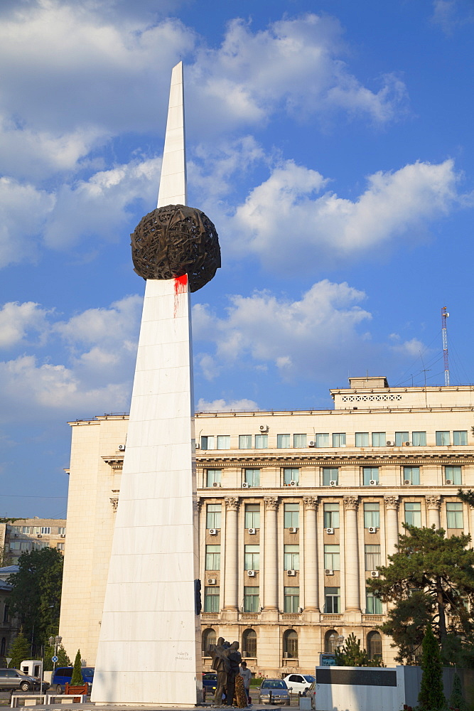 Heroes of the Revolution of 1989 Monument, Piata Revolutiei, Bucharest, Romania, Europe