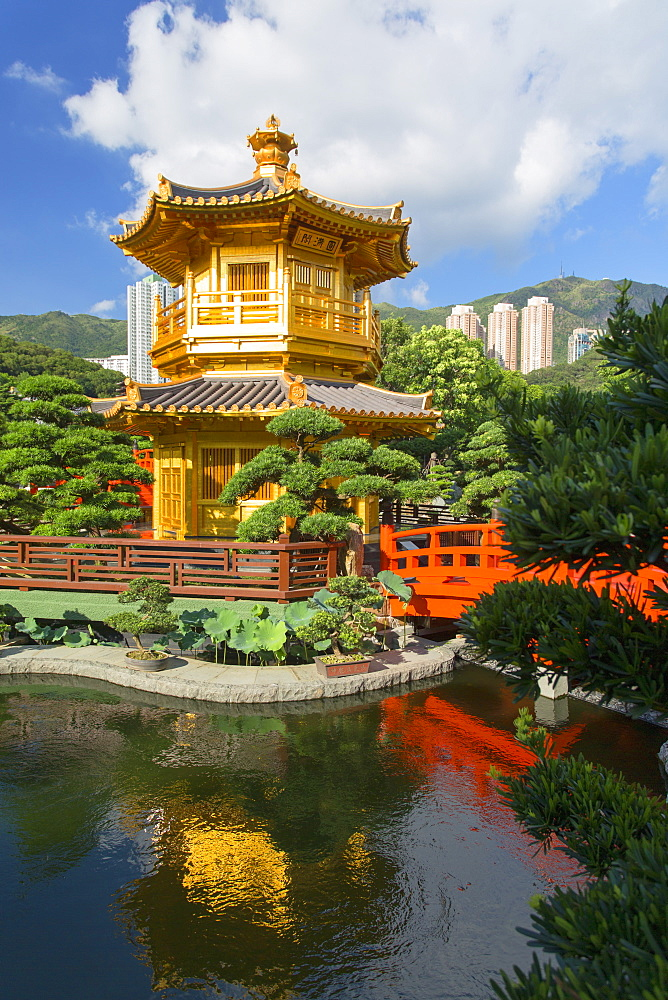 Pagoda in Nan Lian Garden at Chi Lin Nunnery, Diamond Hill, Kowloon, Hong Kong, China, Asia