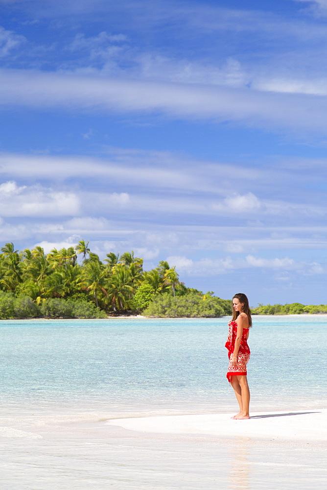 Woman on beach at Les Sables Roses (Pink Sands), Tetamanu, Fakarava, Tuamotu Islands, French Polynesia, South Pacific, Pacific
