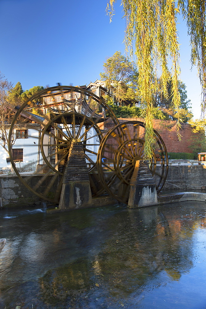 Waterwheels, Lijiang, UNESCO World Heritage Site, Yunnan, China, Asia