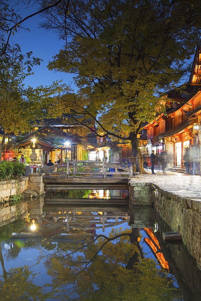 Canalside restaurant at dusk, Lijiang, UNESCO World Heritage Site, Yunnan, China, Asia - 800-3008