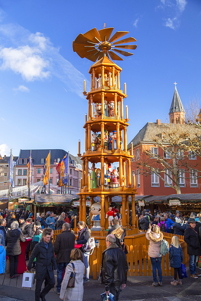 Christmas pyramid at Christmas Market, Mainz, Rhineland-Palatinate, Germany, Europe