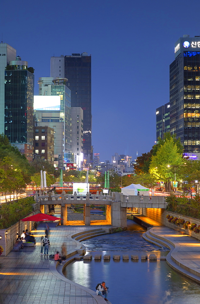 Cheonggyecheon Stream at dusk, Seoul, South Korea, Asia