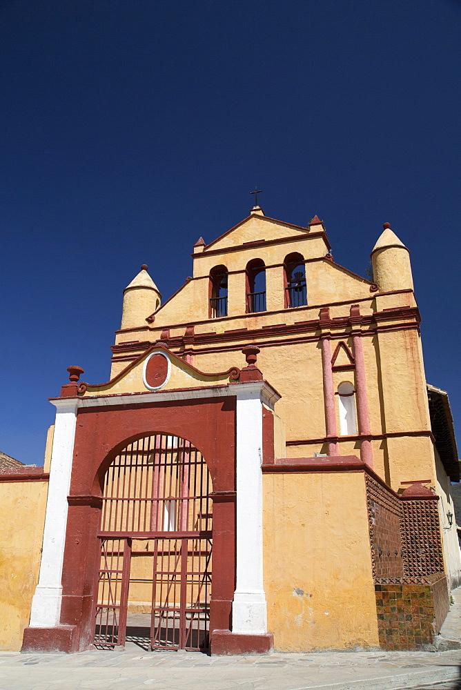 Temple of St. Nicolas, built between 1613 and 1621, San Cristobal de las Casas, Chiapas, Mexico, North America
