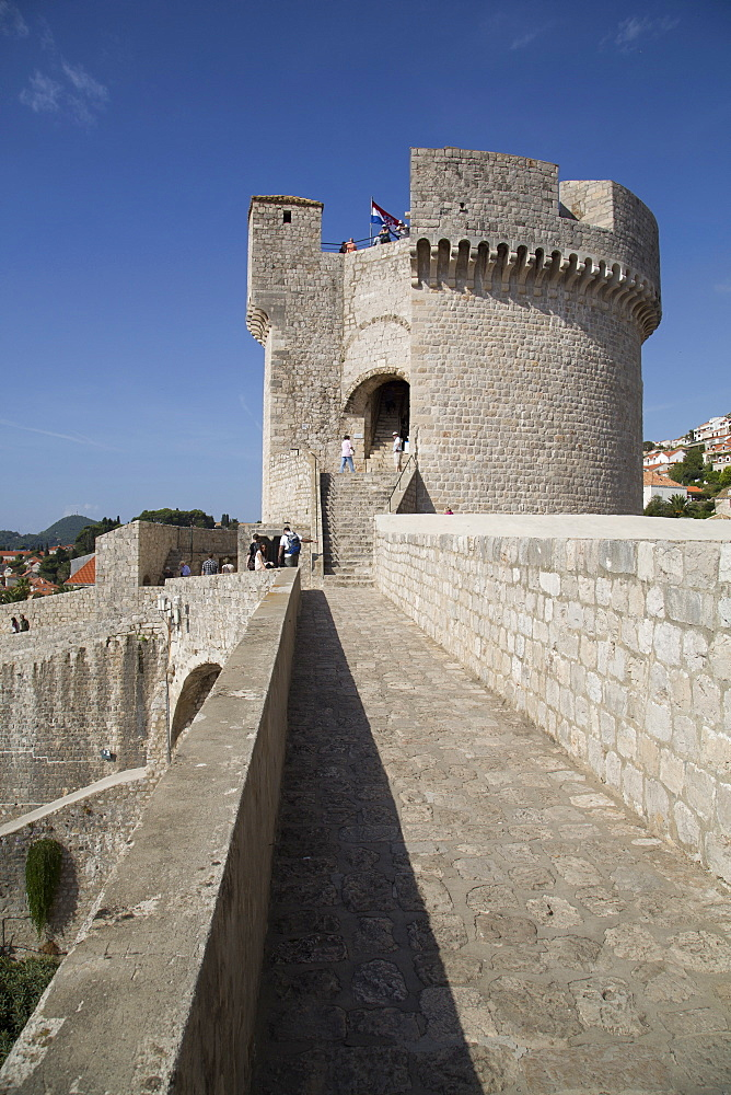 Minceta Tower on the Town Wall, Old Town, UNESCO World Heritage Site, Dubrovnik, Croatia, Europe