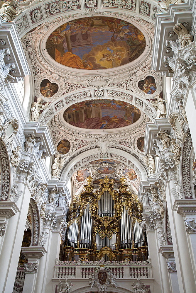 Interior of St. Stephen's Cathedral, dating from 1688, iincluding the largest Catholic church organ in the world, Passau, Bavaria, Germany, Europe