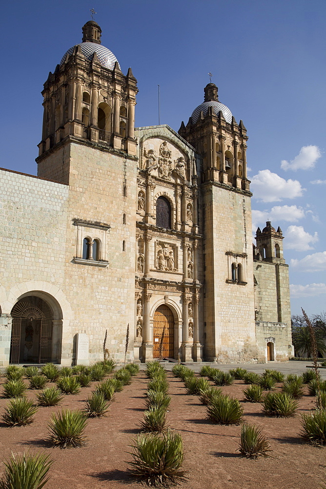 Santo Domingo de Guzman Church, began in 1570, Oaxaca City, Oaxaca, Mexico, North America