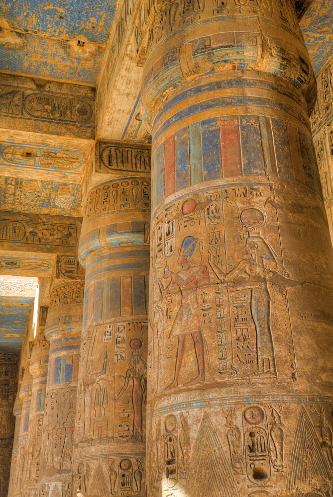 Columns in Second Court, Medinet Habu (Mortuary Temple of Ramses III), West Bank, Luxor, Thebes, UNESCO World Heritage Site, Egypt, North Africa, Africa