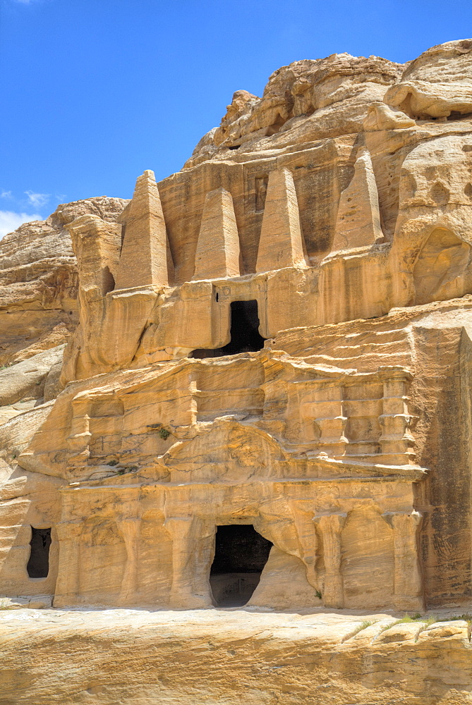 Obelisk Tomb (upper structure), Bab as-Sig Triclinium (lower structure), Petra, UNESCO World Heritage Site, Jordan, Middle East