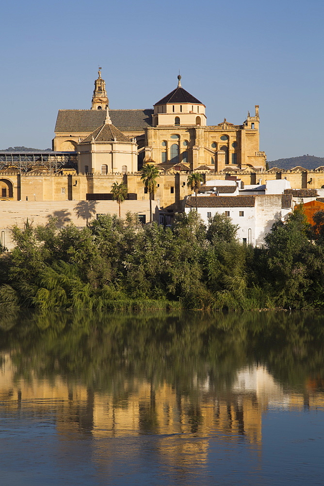 Guadalquivir River and The Great Mosque (Mesquita) and Cathedral of Cordoba, UNESCO World Heritage Site, Cordoba, Andalucia, Spain, Europe
