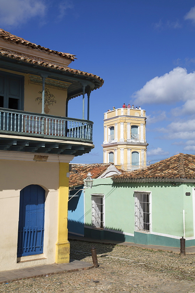 Universal Benito Ortiz Galeria on left, Palacio Cantero on right, Trinidad, UNESCO World Heritage Site, Sancti Spiritus, Cuba, West Indies, Central America