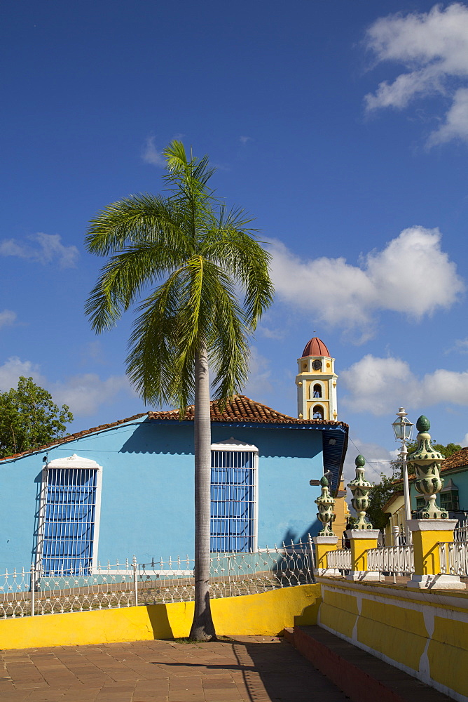 Plaza Mayor, Iglesia y Convento de San Francisco in the background, Trinidad, UNESCO World Heritage Site, Sancti Spiritus, Cuba, West Indies, Central America