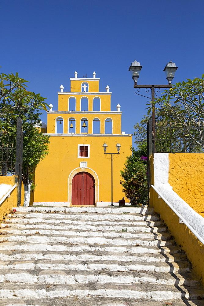 Church of San Pedro Apostol, founded 17th century, Tekal de Venegas, Yucatan, Mexico, North America - 801-2293