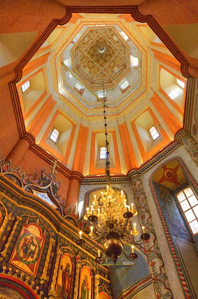 Altar and ceiling, St. Basil's Cathedral, Red Square, UNESCO World Heritage Site, Moscow, Russia, Europe