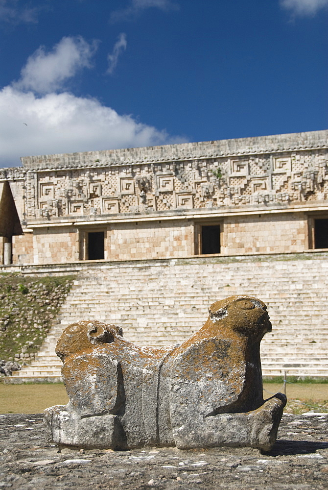 Mayan jaguar sculpture in front of the Palacio del Gobernador (Governor's Palace), Uxmal, UNESCO World Heritage Site, Yucatan, Mexico, North America