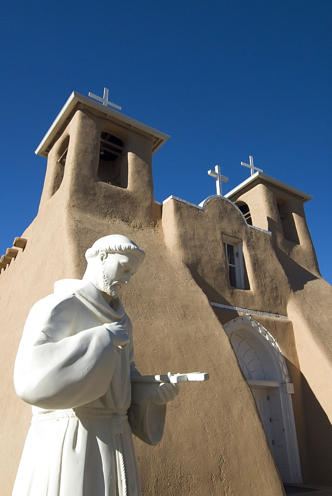 hispanic single men in ranchos de taos Below is the listing for old state rd 570 ranchos-de-taos 87557 which contains 1 property records in 1725, the settlement that was originally called las trampas de taos became the permanent spanish settlement called ranchos de taos in 1760 rachoes de taos, also called taos old town, was attacked.