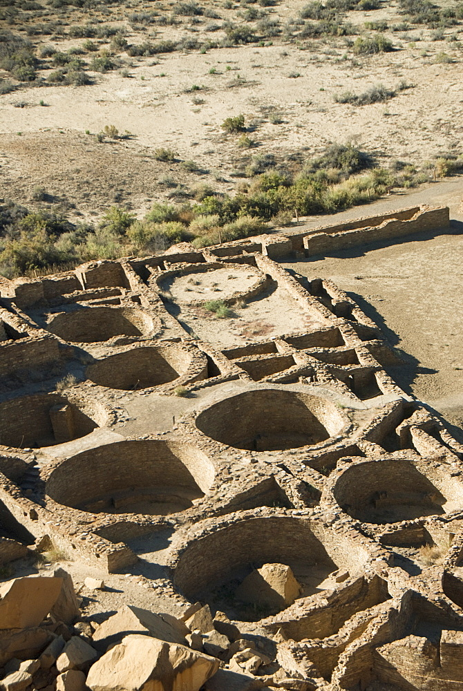 Chaco Culture National Historic Park, World Heritage Site, Pueblo Bonito, kiva (foreground), UNESCO World Heritage Site, New Mexico, United States of America, North America