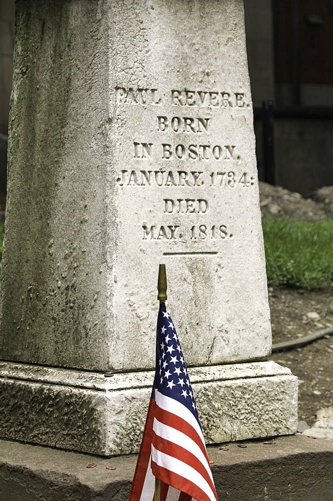 Memorial at Paul Revere's grave in the Old Granary Burying Ground in Boston, Massachusetts, New England, United States of America, North America - 803-186