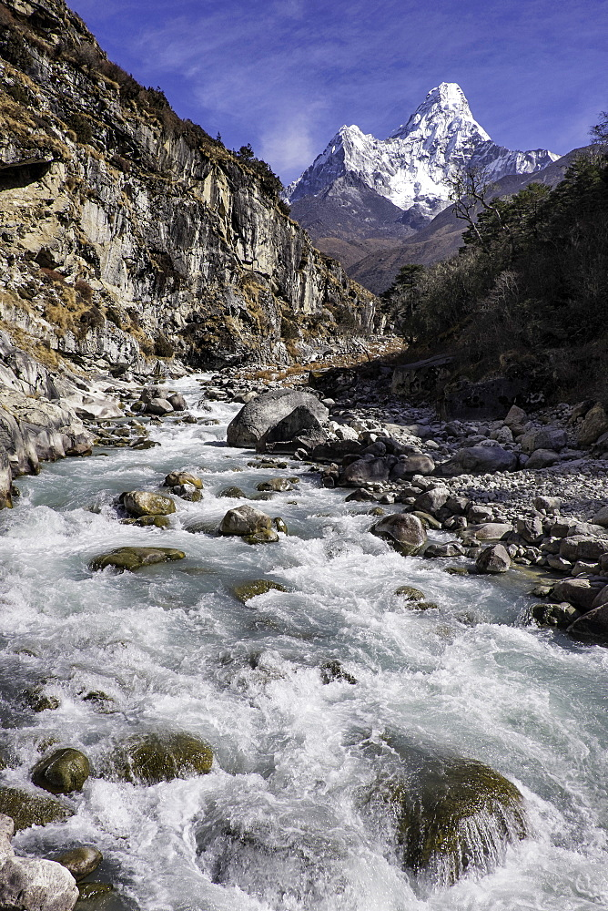 The Kumba valley in Nepal with Ama Dablam in the background, Himalayas, Nepal, Asia - 803-204