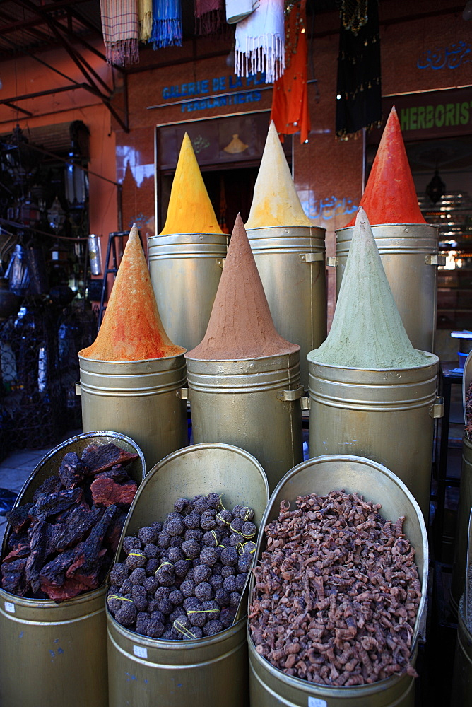 Spice shop, Marrakech, Morocco, North Africa, Africa - 806-238