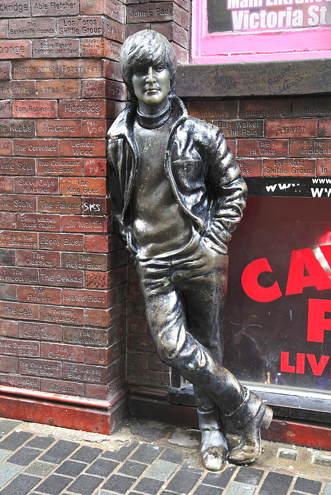 John Lennon sculpture, Mathew Street, Liverpool, Merseyside, England, United Kingdom, Europe
