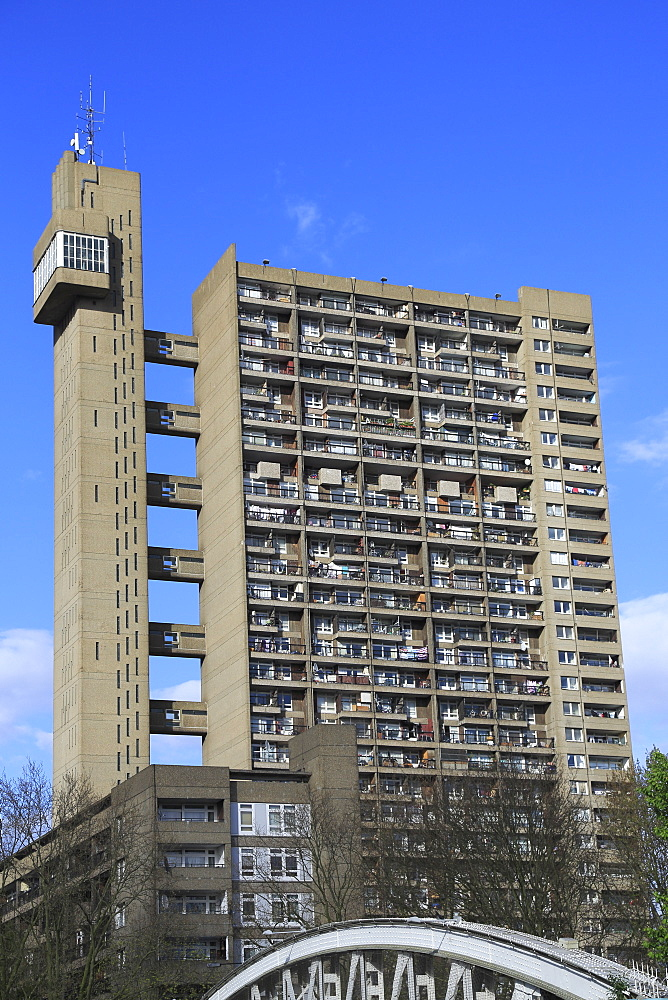 Trellick Tower, Apartments, Brutalist Architecture, architect Erno Goldfinger, Notting Hill, London, England, United Kingdom