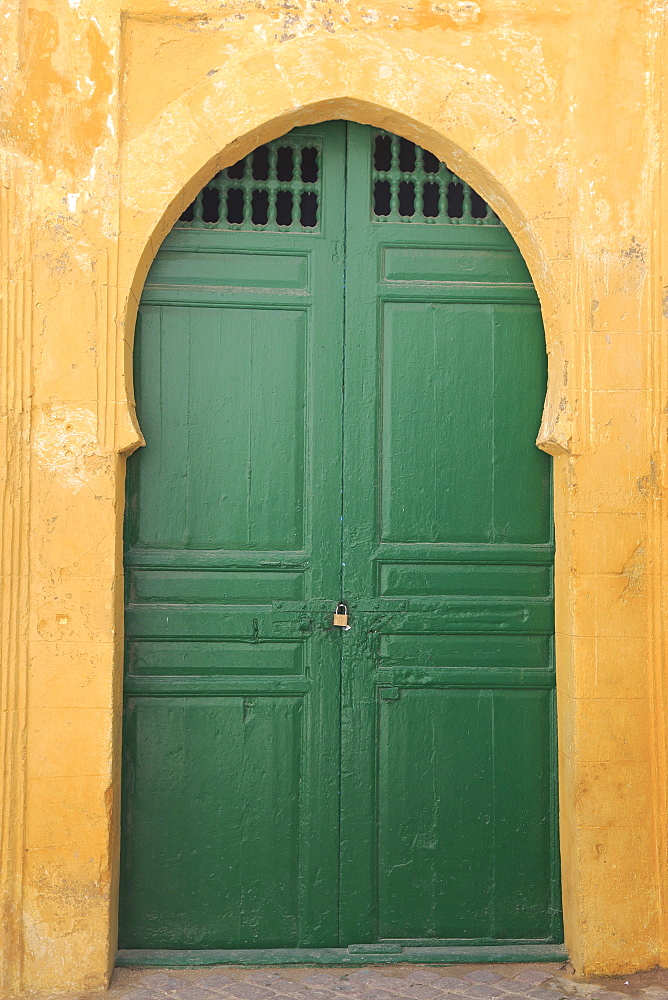 Green door to Mosque, Medina, UNESCO World Heritage Site, Essaouira, Morocco, North Africa, Africa