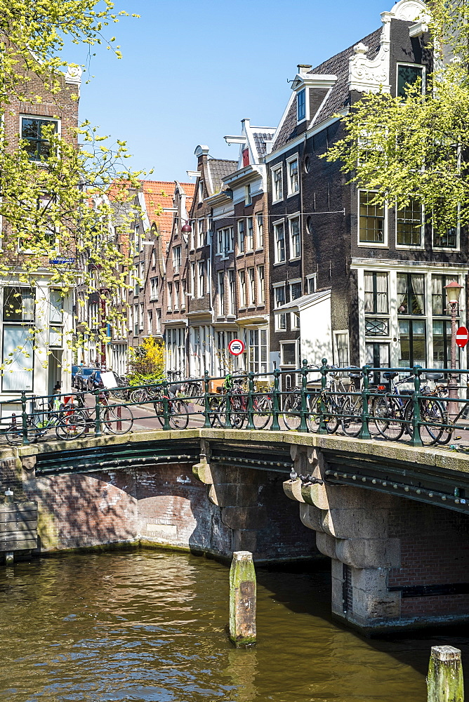 Bridge over Brouwersgracht, Amsterdam, Netherlands, Europe