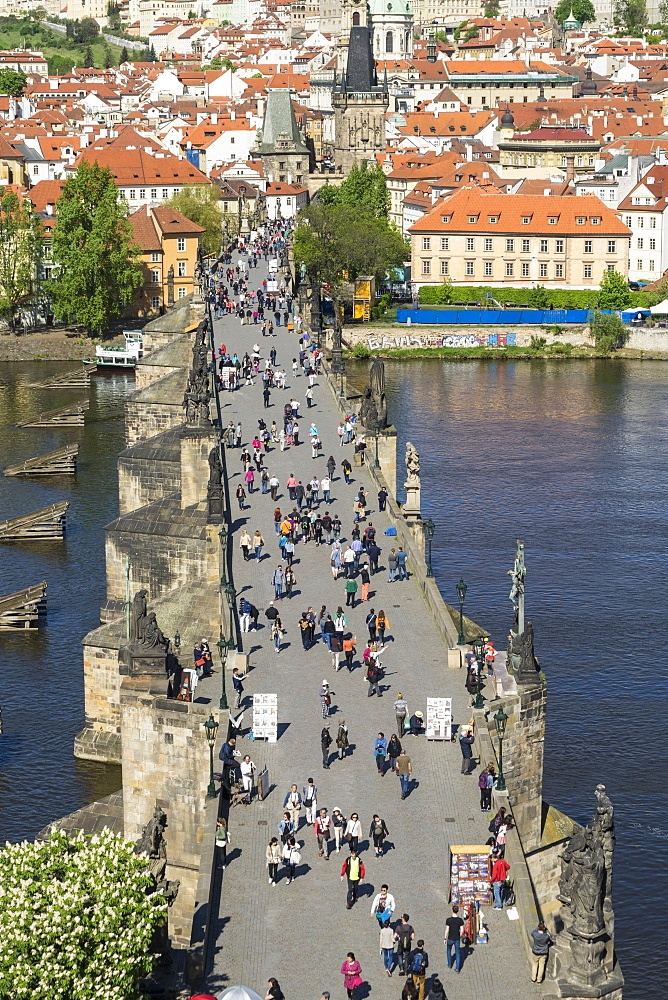 Tourists on Charles Bridge, UNESCO World Heritage Site, Prague, Czech Republic, Europe