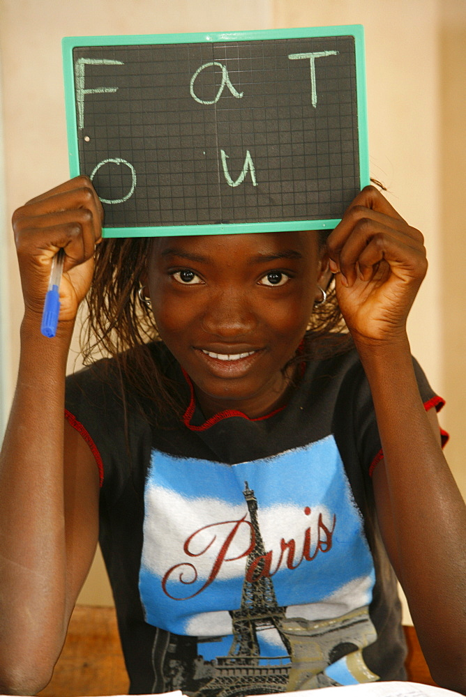 Senegal schoolgirl, Popenguine, Thies, Senegal, West Africa, Africa