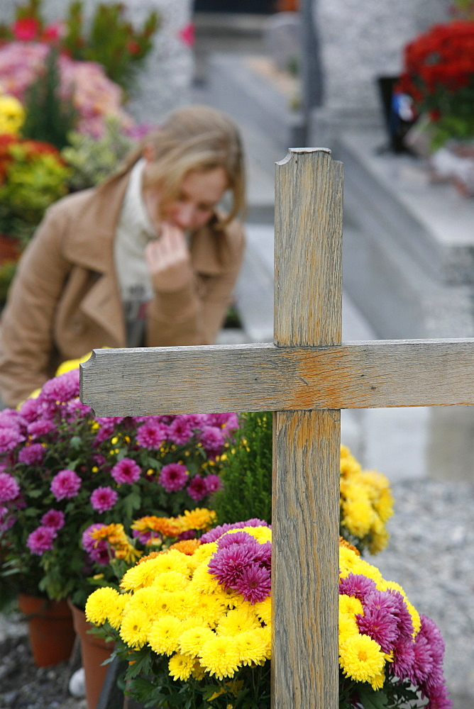 Cemetery on All Saints' Day, Chedde, Haute Savoie, France, Europe