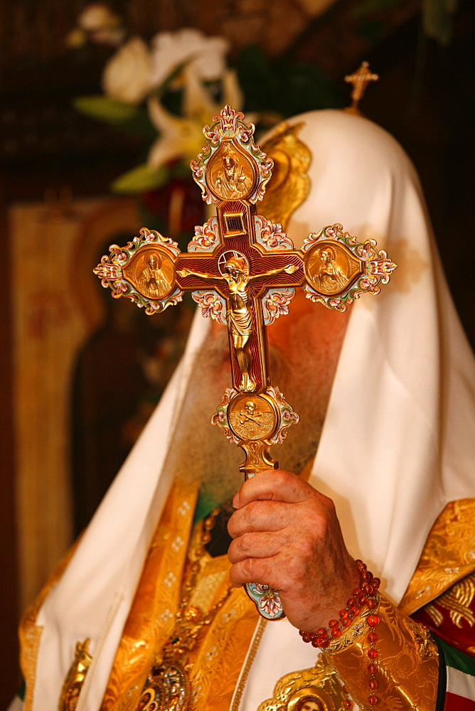 Moscow Orthodox patriarch Alexis II holding a crucifix, Paris, France, Europe