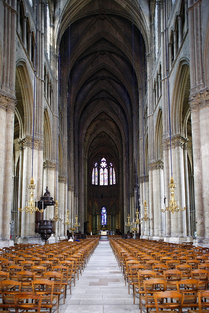 Nave, Reims Cathedral, UNESCO World Heritage Site, Reims, Marne, France, Europe