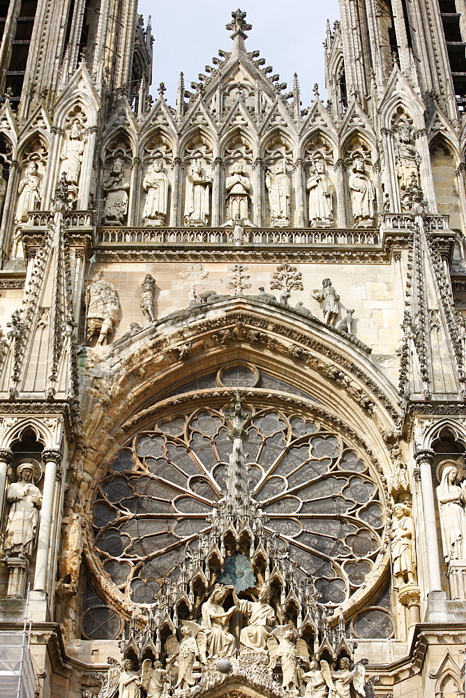 West front of Reims cathedral, UNESCO World Heritage Site, Reims, Marne, France, Europe