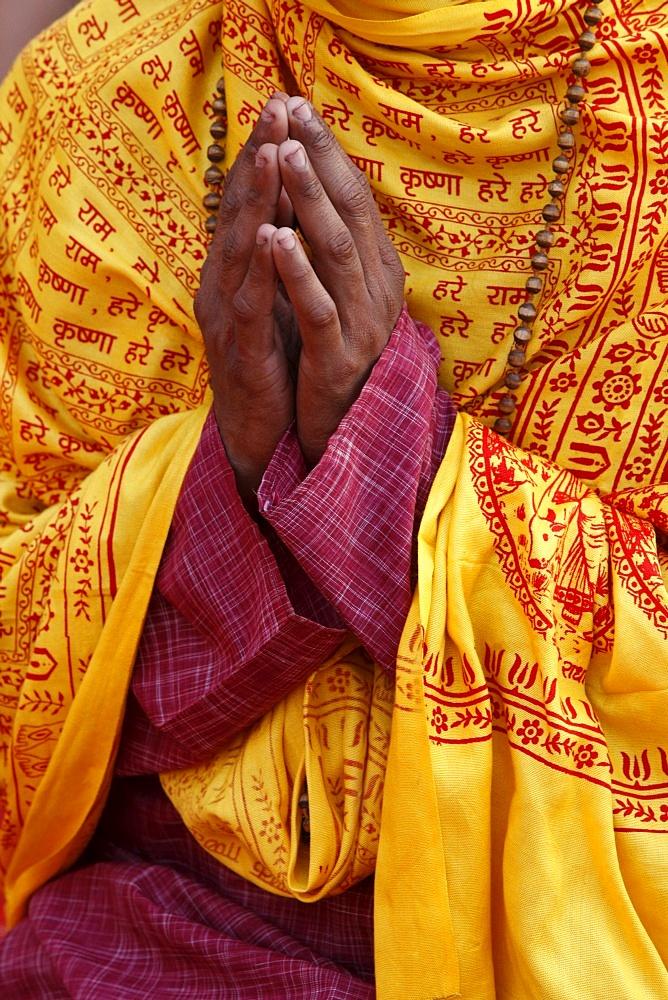 Hindu prayer in Parmath, Rishikesh, Uttarakhand, India, Asia