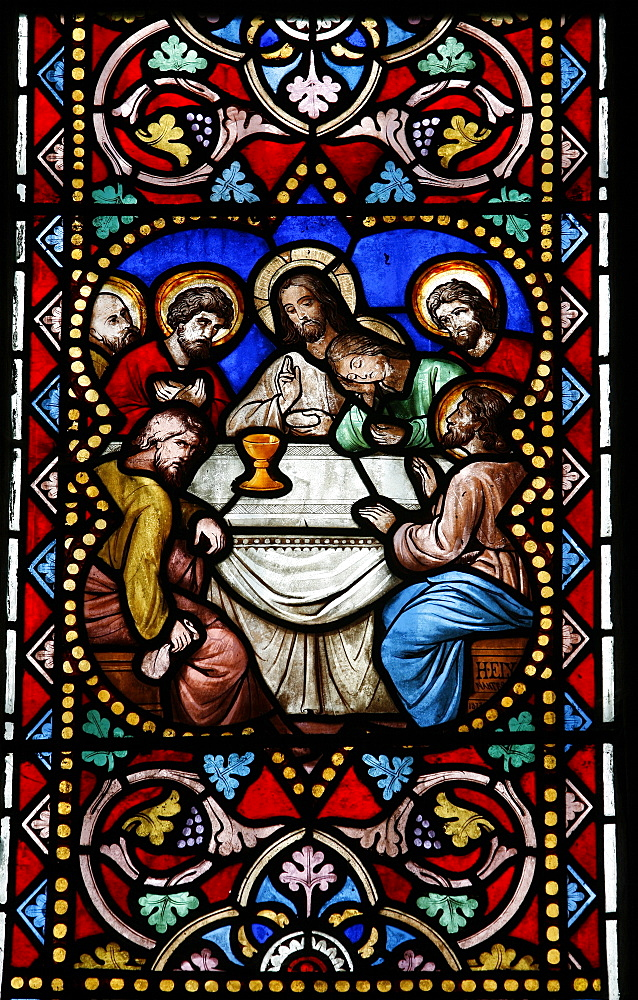 Stained glass window of the Last Supper, Saint-Samson cathedra, Dol-de-Bretagne, Ille-et-Vilaine, Brittany, France, Europe