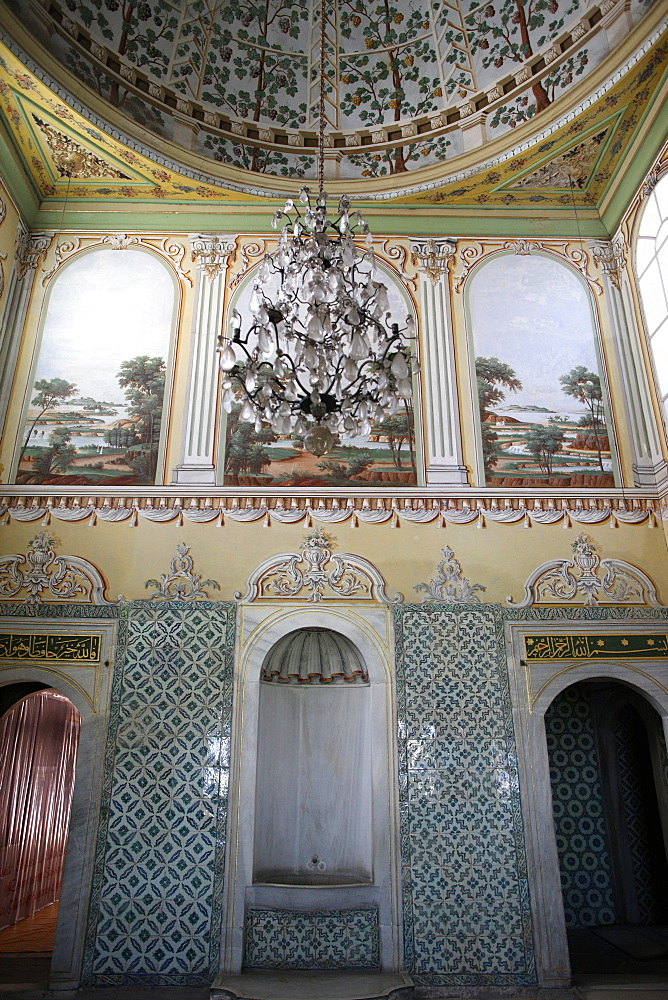 Queen Mother's apartment, The Harem, Topkapi Palace, UNESCO World Heritage Site, Istanbul, Turkey, Europe