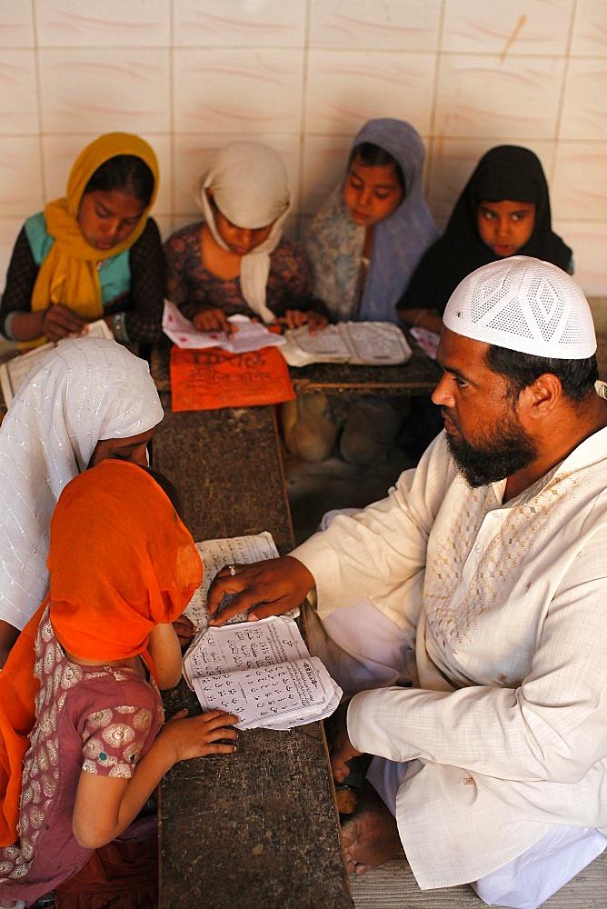 Girls studying in a medersa (koranic school), Fatehpur Sikri, Uttar Pradesh, India, Asia