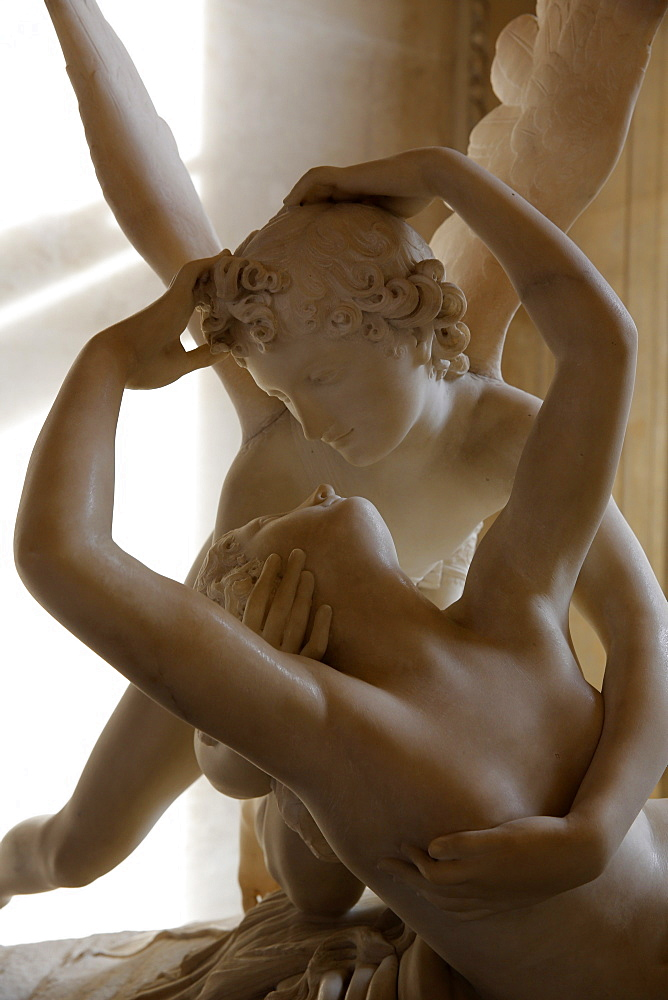 Psyche revived by the kiss of Love, Antonio Canova, 18th century marble, Louvre Museum, Paris, France, Europe