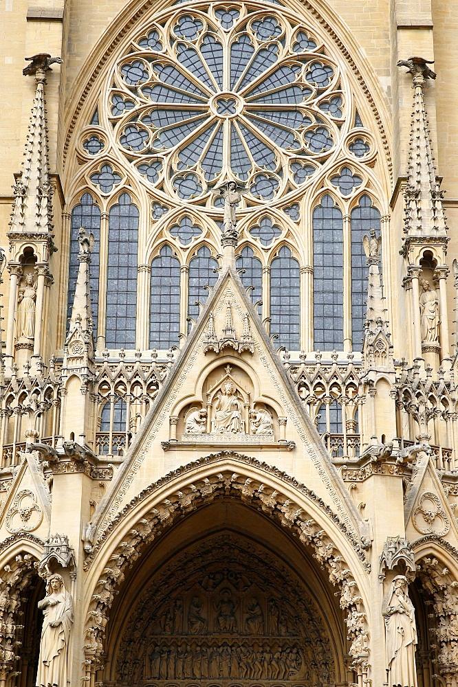 West facade, Metz Cathedral, Metz, Lorraine, France, Europe