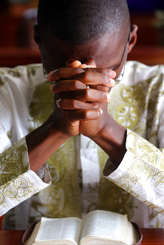 Prayer, Sunday morning Catholic Mass, Lome, Togo, West Africa, Africa