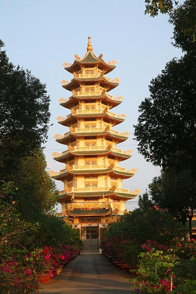 Pagoda, Dai Tong Lam Tu Buddhist Temple, Ba Ria, Vietnam, Indochina, Southeast Asia, Asia