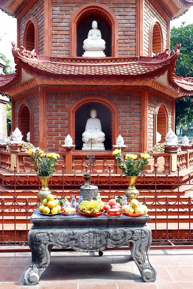Tran Quoc Pagoda (Chua Tran Quoc), Hanoi, Vietnam, Indochina, Southeast Asia, Asia - 809-7435