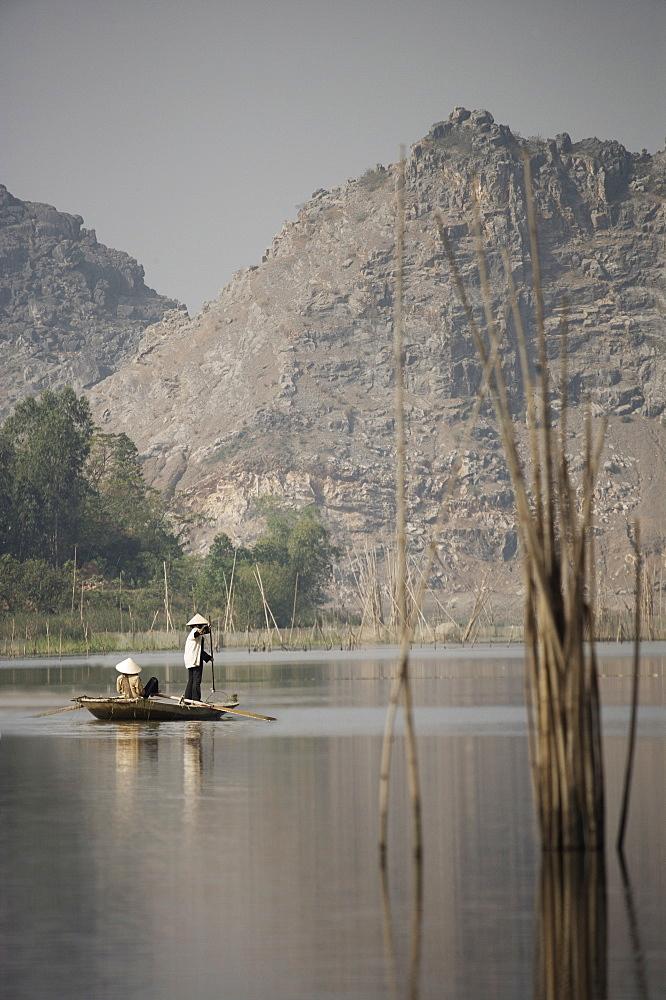 Women fishing in river, Vietnam, Indochina, Southeast Asia, Asia - 812-68