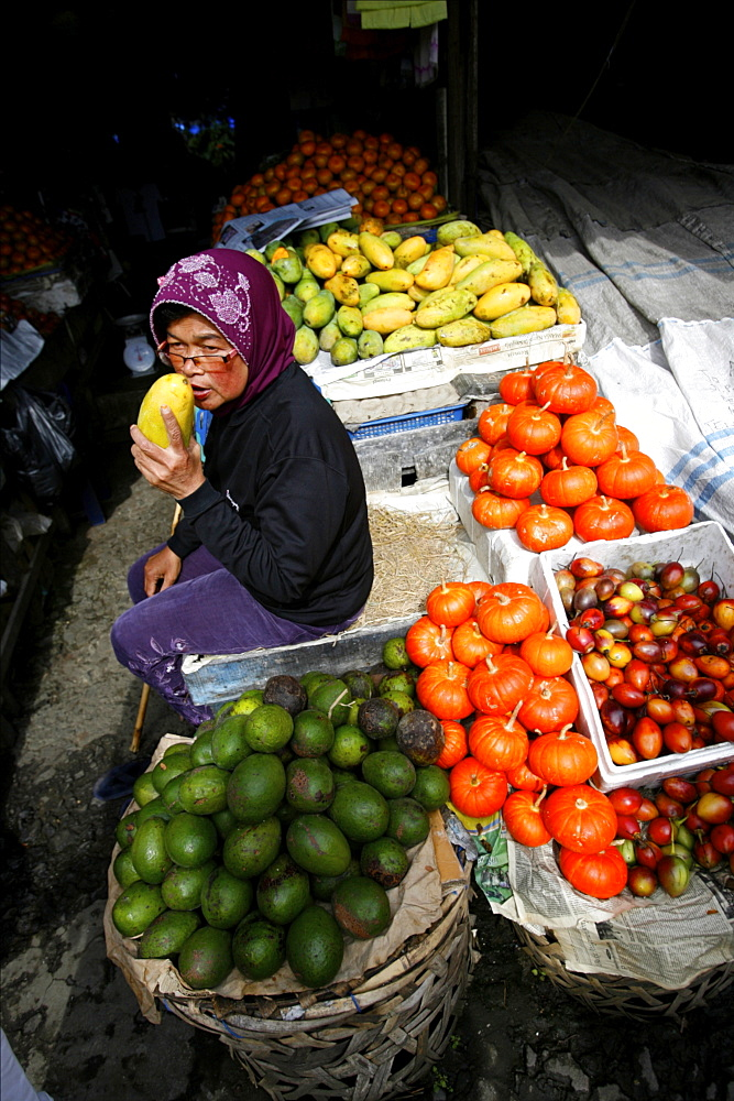 The famous fruit market of Brastagi, close to Lake Toba, Sumatra, Indonesia, Southeast Asia, Asia