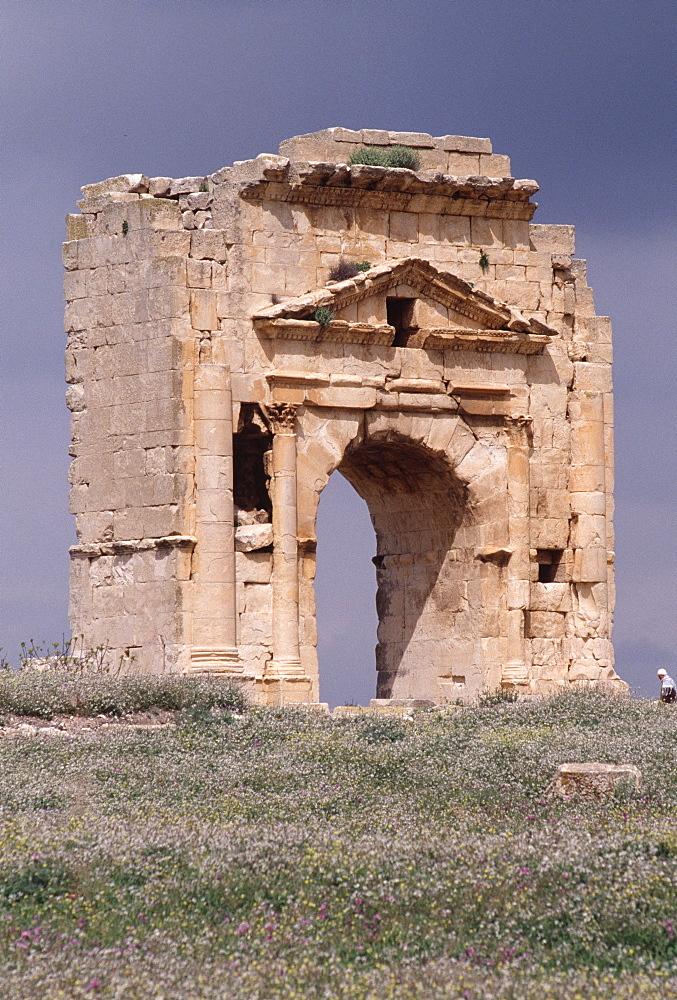 Trajan's Triumphal Arch, Maktar, Tunisia, North Africa, Africa